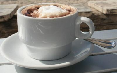 Koffie als primaire levensbehoefte met kleine kinderen