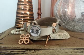 Enkele armband khaki. Met deze mooie Baby Dilemma armband moet je wel aan de slag!